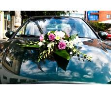 Aranjament floral pentru masina cu orhidee, trandafiri si hortensia M 04