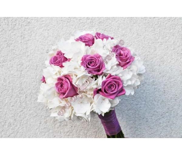 Buchet De Mireasa Cu Trandafiri Si Hortensie Bm 44
